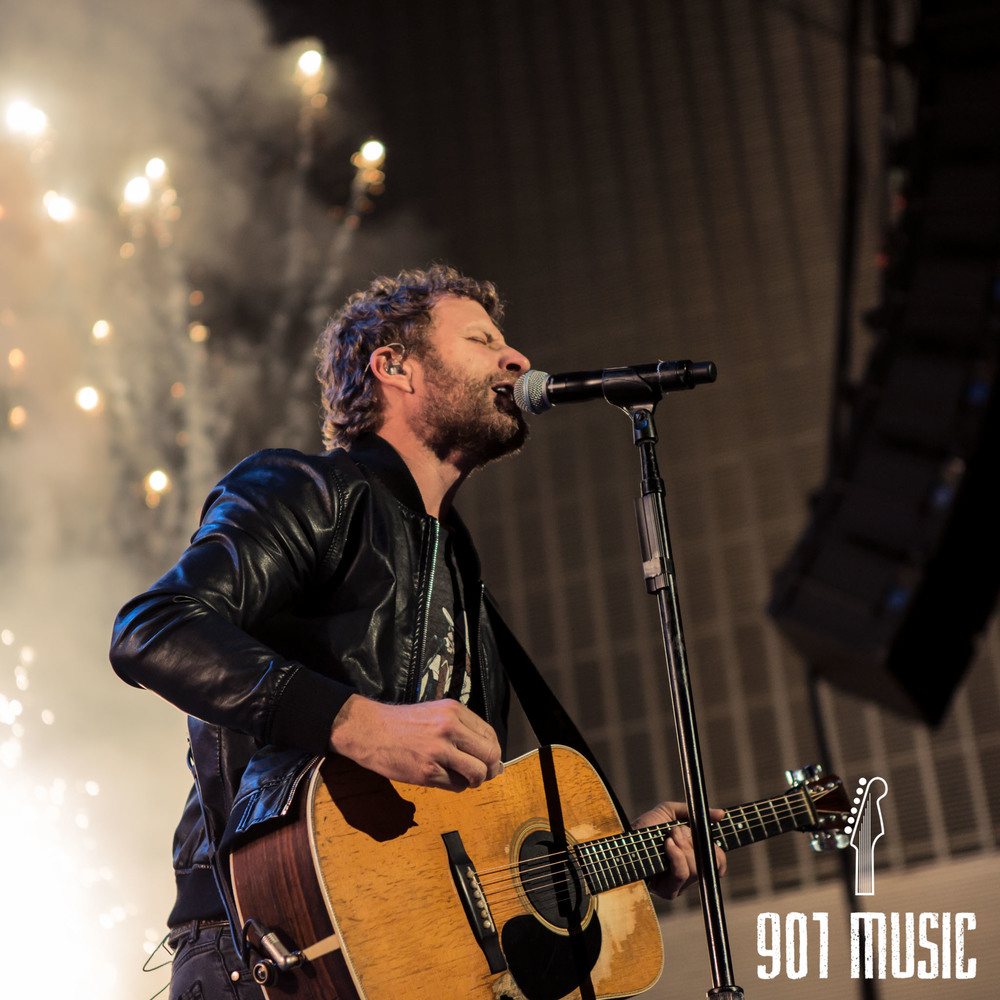 na-11012015-Dierks Bentley-15.jpg