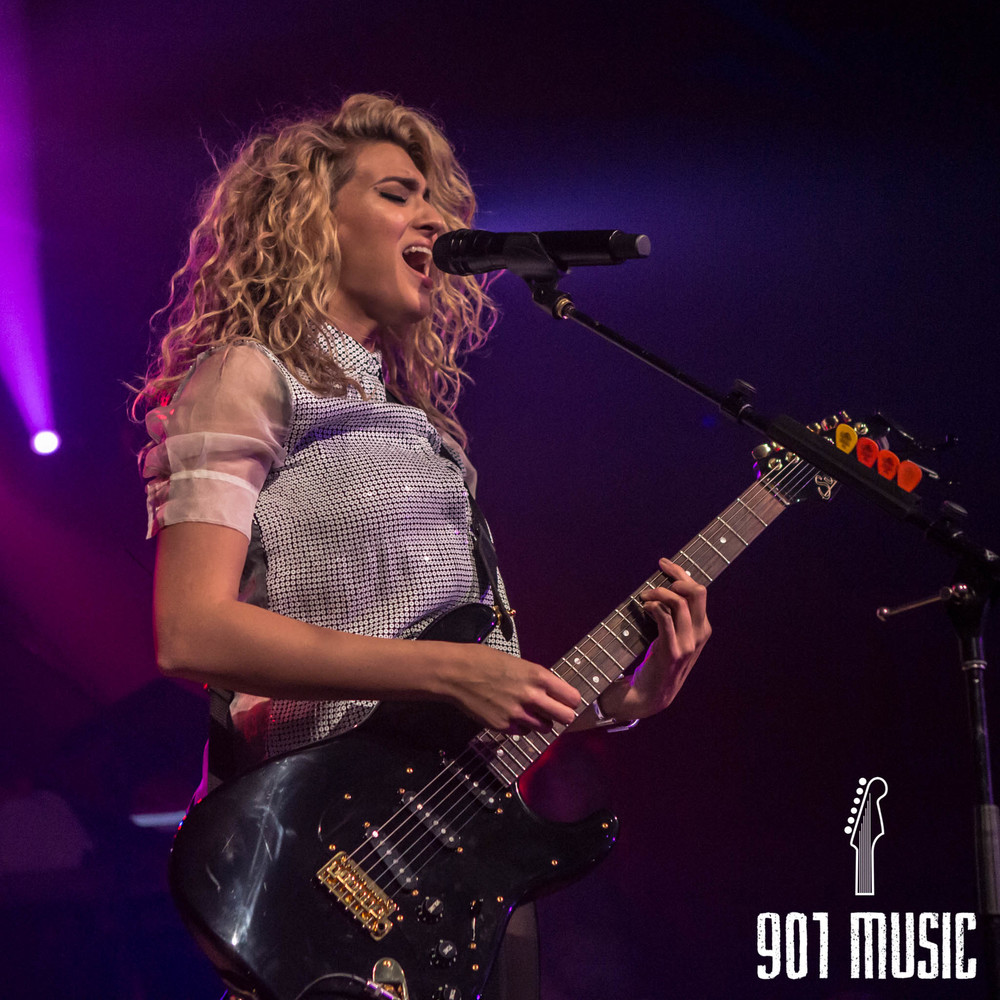 na-11052015-ToriKelly-34.jpg