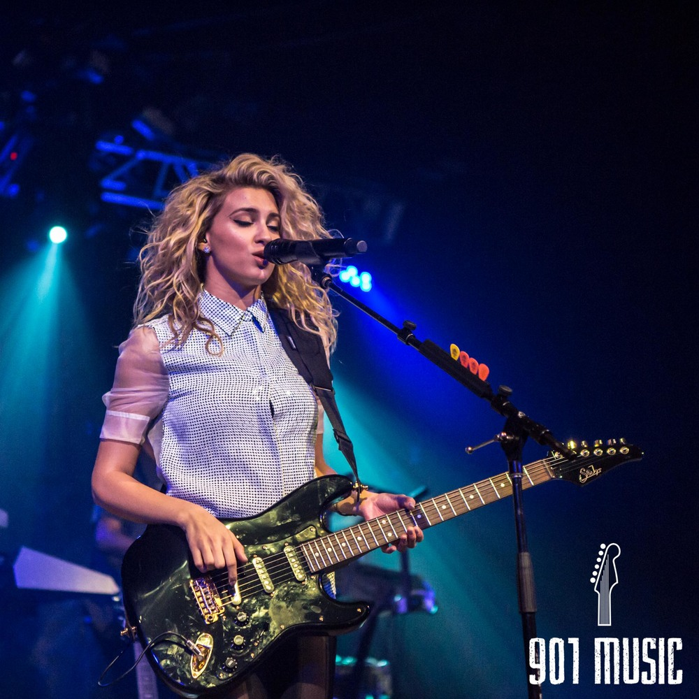 na-11052015-ToriKelly-42.jpg