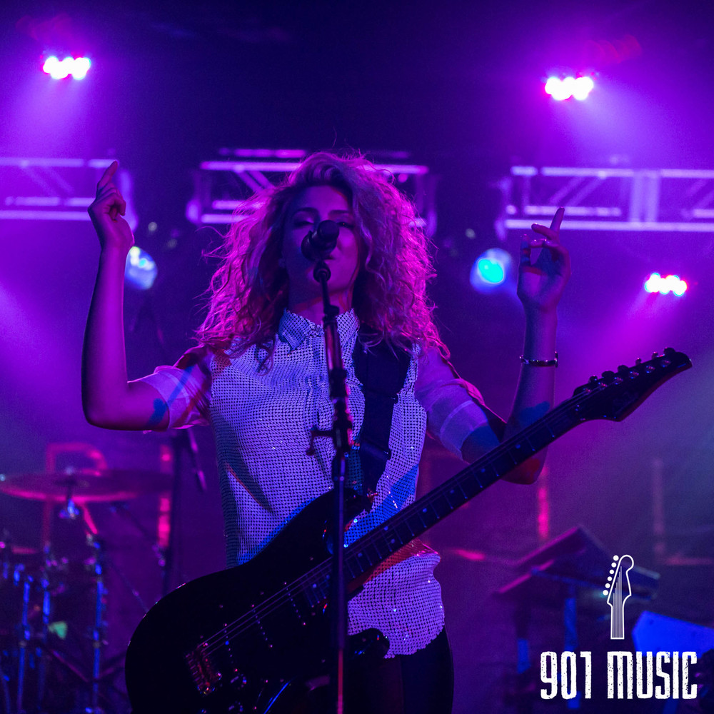 na-11052015-ToriKelly-44.jpg