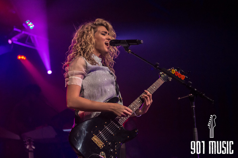 na-11052015-ToriKelly-33.jpg