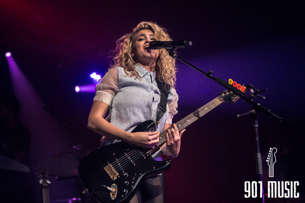 na-11052015-ToriKelly-35.jpg