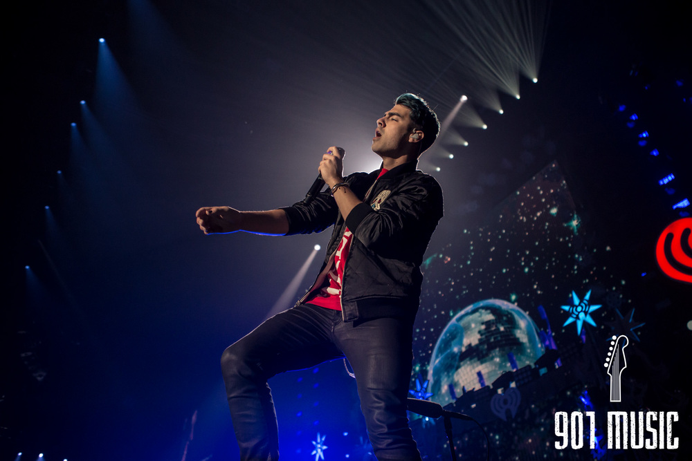 na-12162015-Jingle Ball Chicago-7.jpg