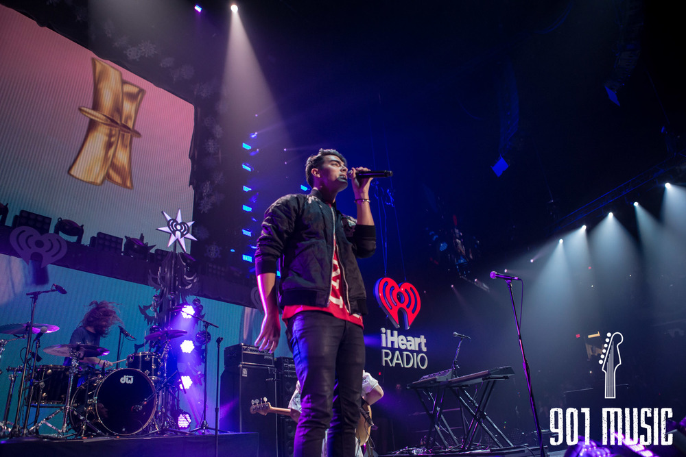na-12162015-Jingle Ball Chicago-19.jpg