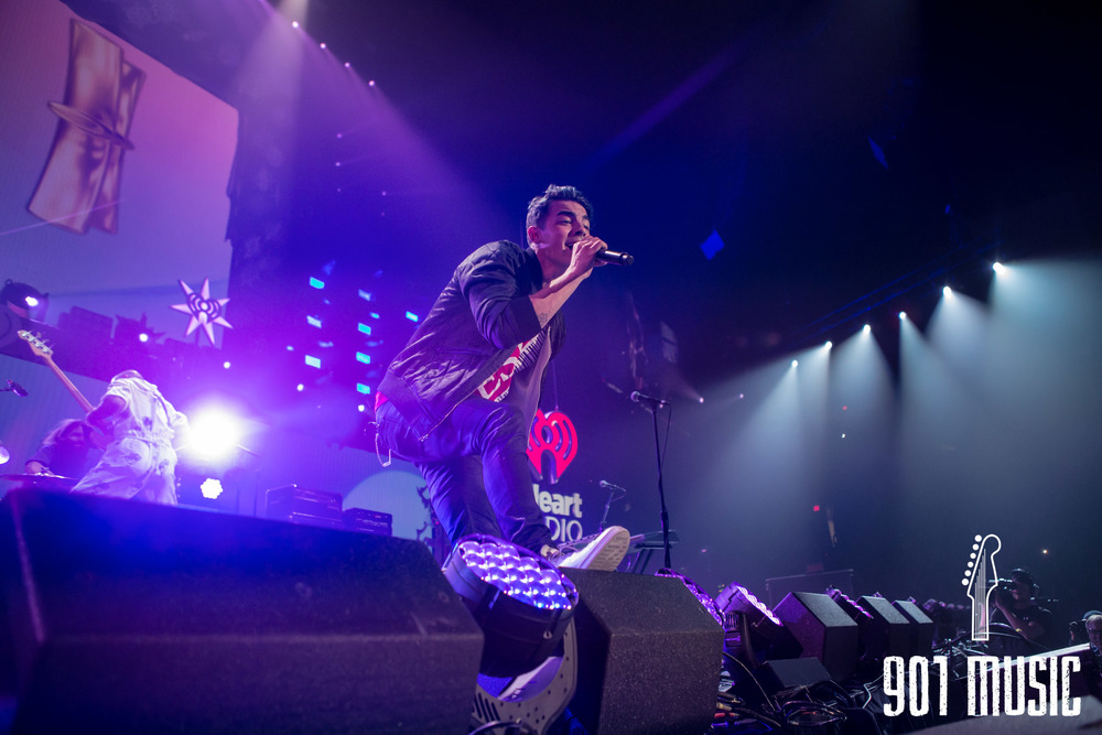 na-12162015-Jingle Ball Chicago-20.jpg