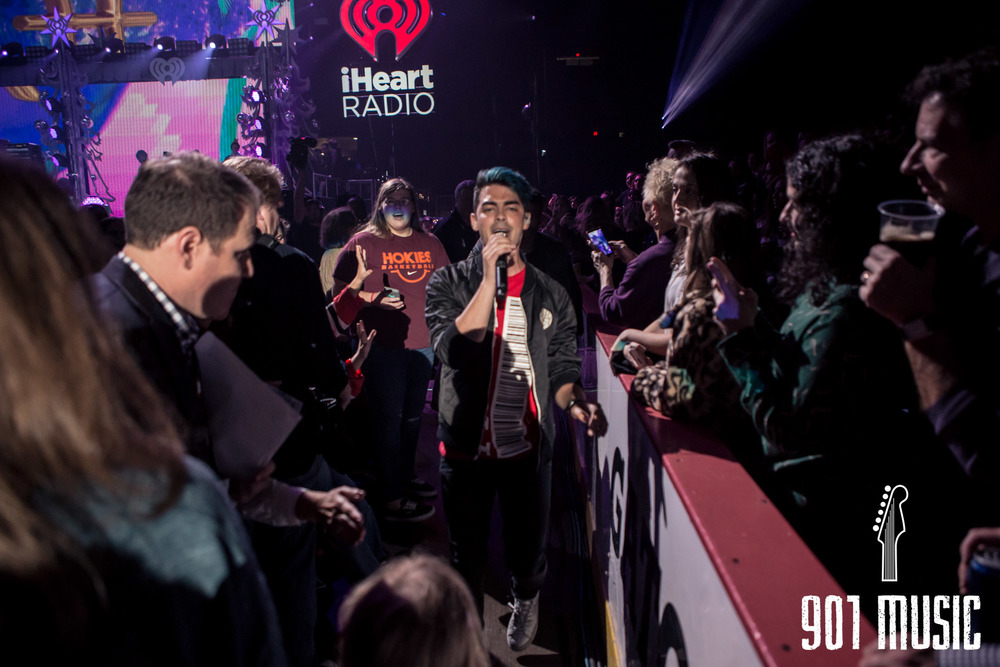 na-12162015-Jingle Ball Chicago-24.jpg