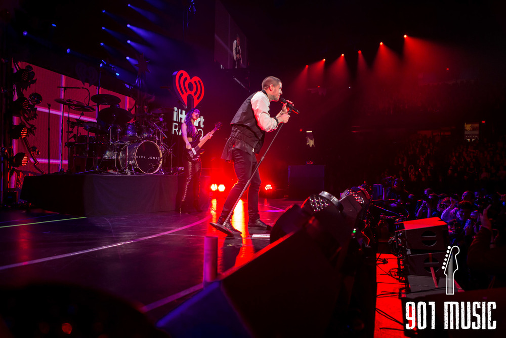 na-12162015-Jingle Ball Chicago-2.jpg