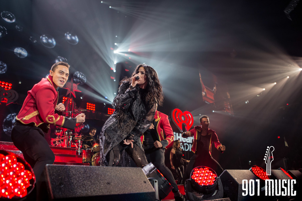 na-12162015-Jingle Ball Chicago-3.jpg