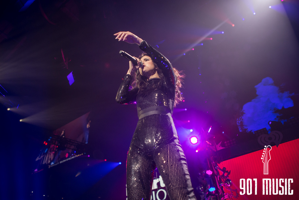 na-12162015-Jingle Ball Chicago-4.jpg