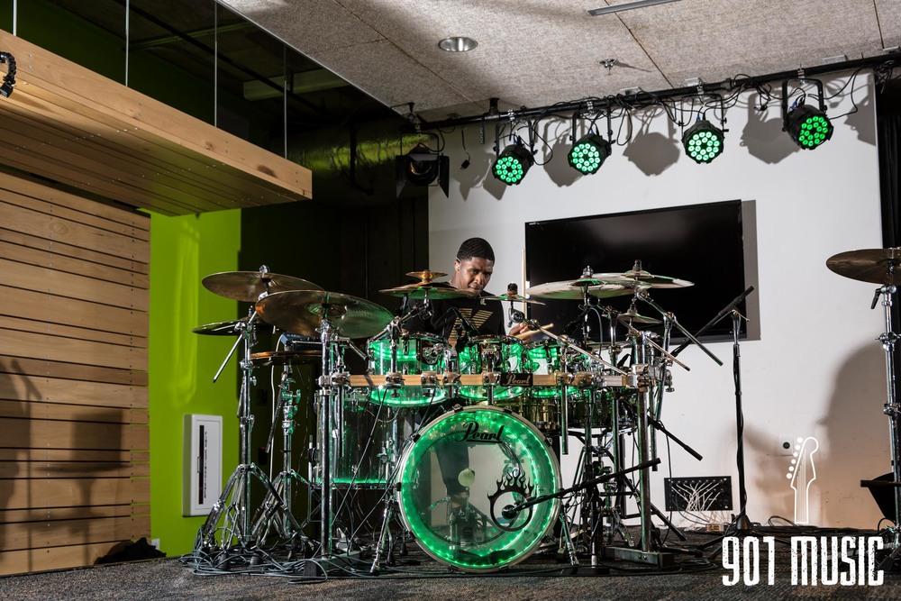 na-01222016-Visible Drum Show-33.jpg
