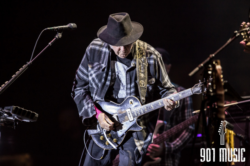 Neil Young-6.jpg
