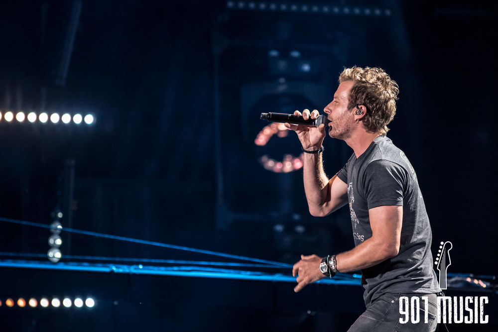 Dierks Bentley-5.jpg