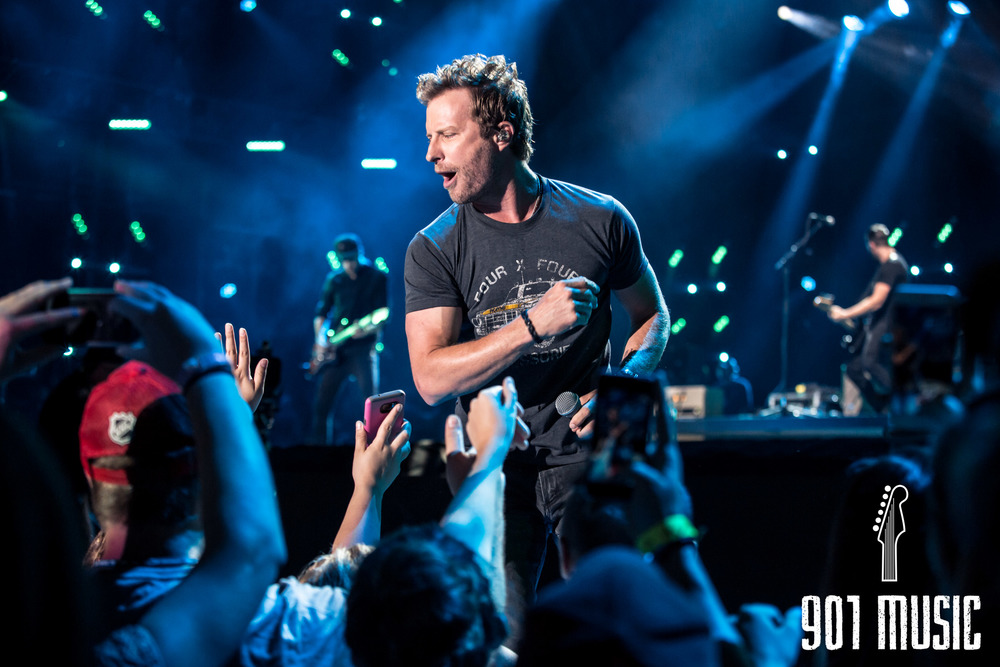Dierks Bentley-6.jpg