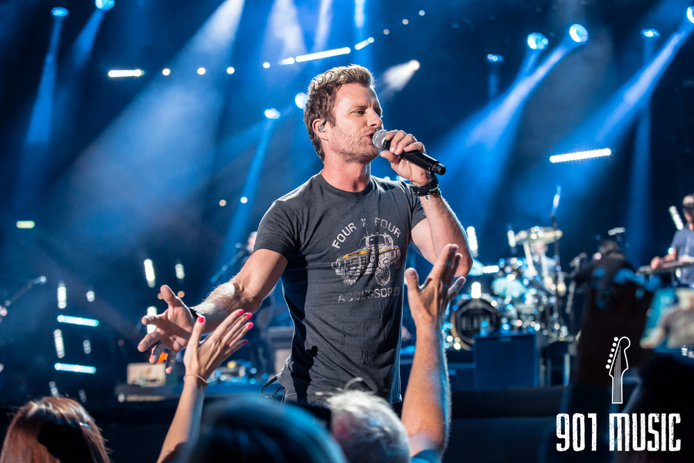 Dierks Bentley-7.jpg