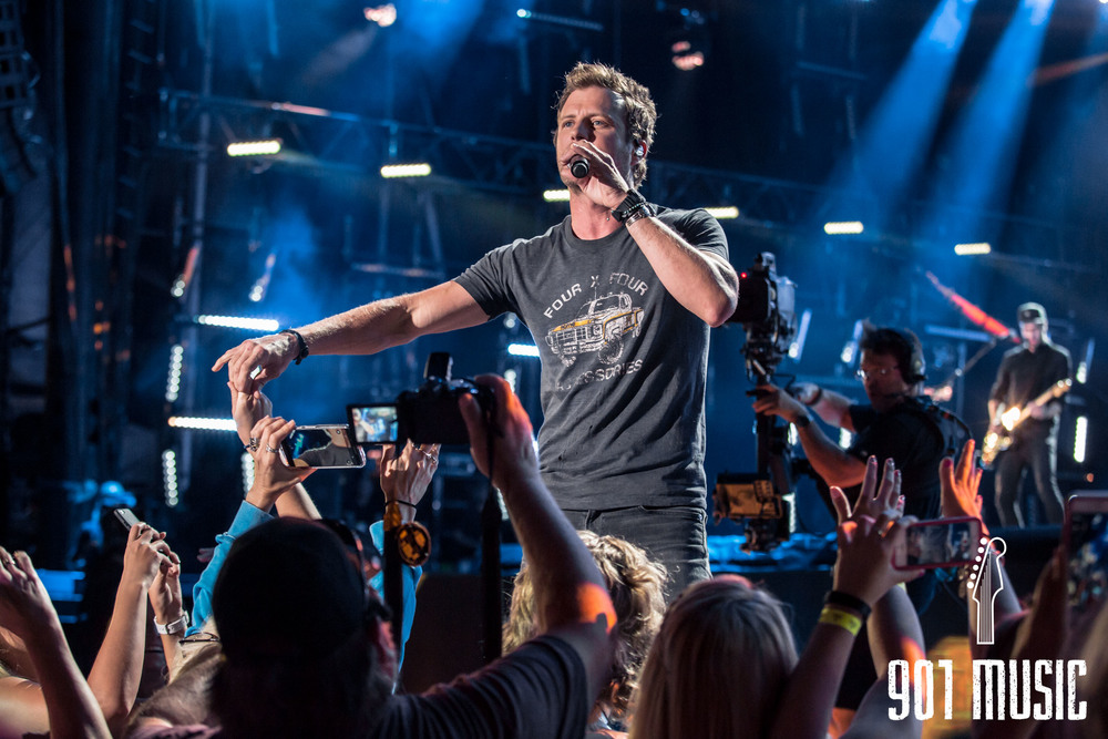 Dierks Bentley-8.jpg