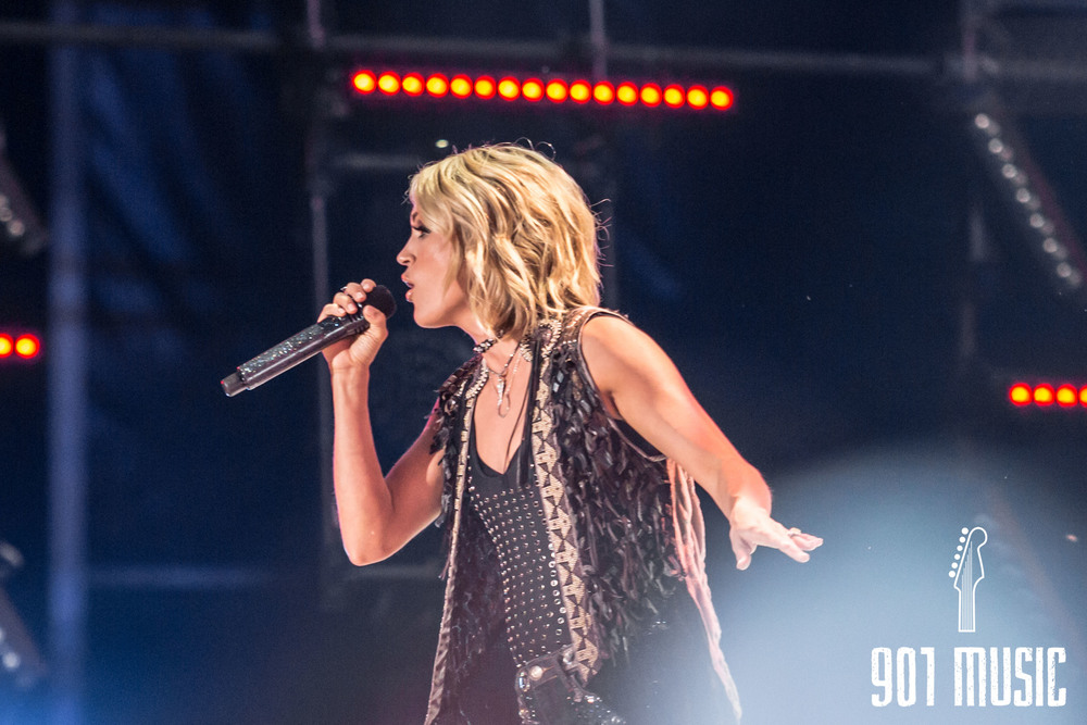Carrie Underwood-4.jpg