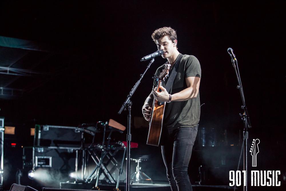 ts-08072016-Shawn Mendes-7.jpg