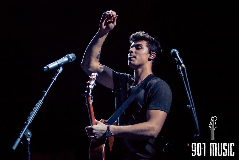 ts-08072016-Shawn Mendes-9.jpg