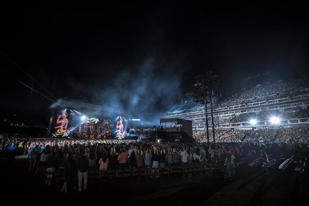 na06082017-CMA Fest Night 140.jpg