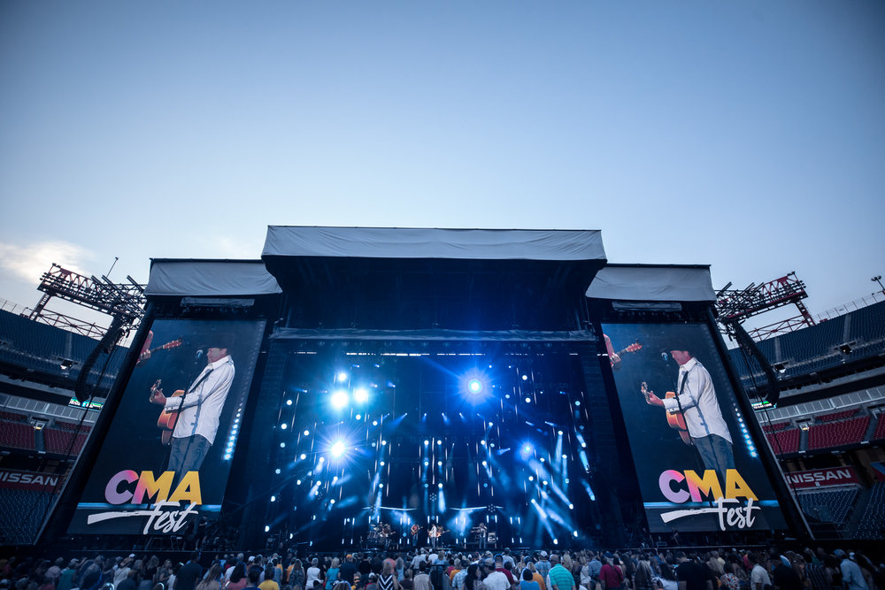 na06112017-CMA Fest Night 46.jpg