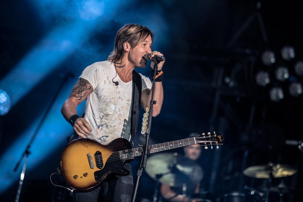 na06112017-CMA Fest Night 457.jpg