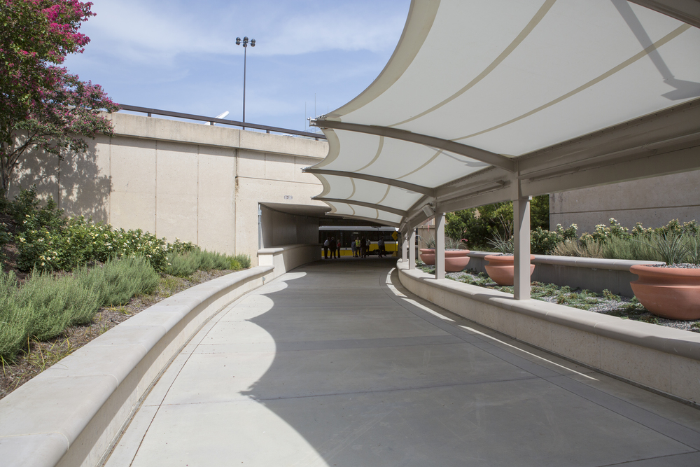 DFWAirportStationwalkwaystation.jpg