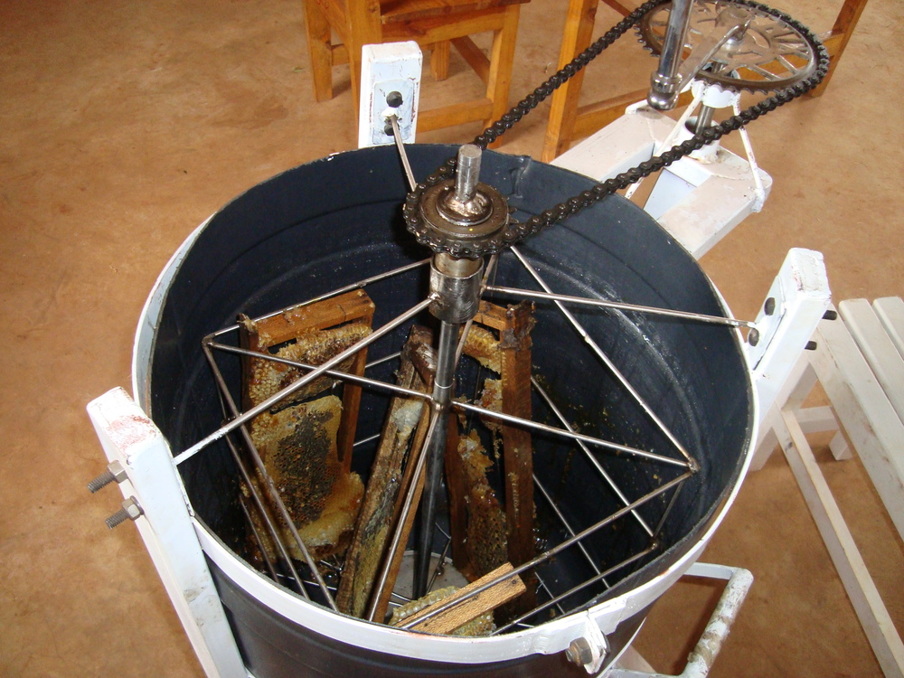 A hand powered honey harvester