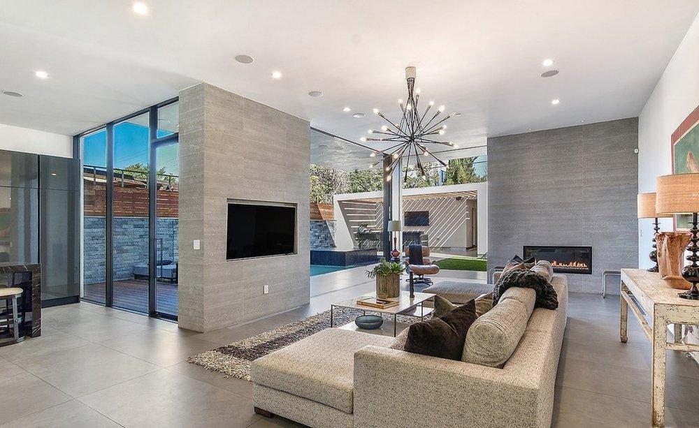 Oakwood Custom Home 4.jpg