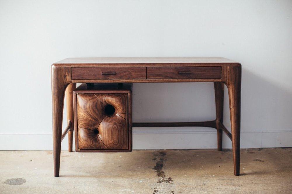 Billow Desk -