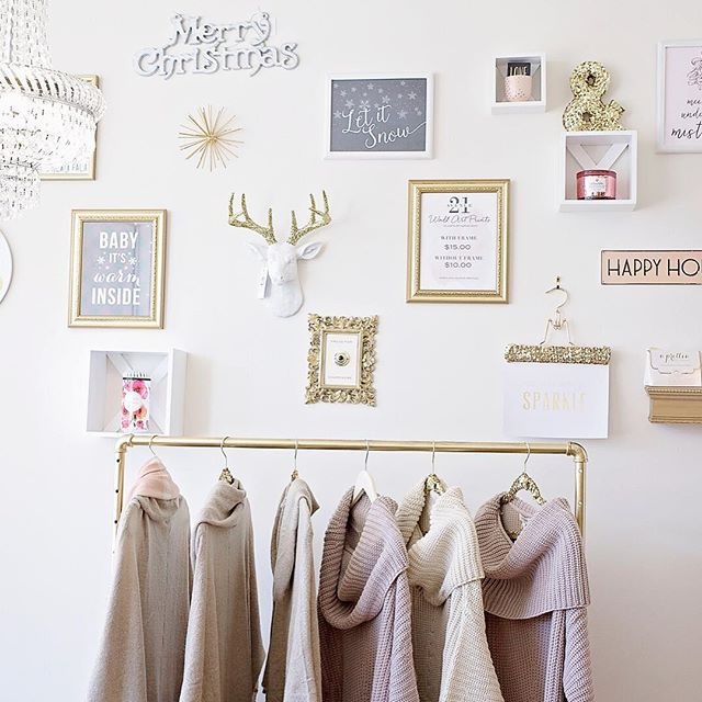 Our pretty gallery wall got a quick winter holiday refresh. 🎄 Pop in today until 6 or tomorrow from 10-6 & shop #alltheprettythings  #avenuetwentyone #design #wallart #letitsnow #babyitswarminside #gallerywall #insidelook #boutiquelife #weaterweather #fauxtaxidermy #sochic #ave21holiday