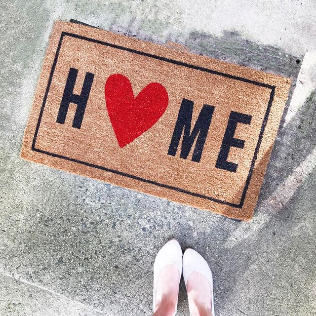 There's no place like... . . . #home #❤️ #homesweethome #doormat #targetdoesitagain #target #targethome #toms #thatsdarling #DScolor #DSpattern  #DStexture #ABMathome #housetour #currentdesignsituation #finditstyleit #smallspacesaquad #modernhome #interior123