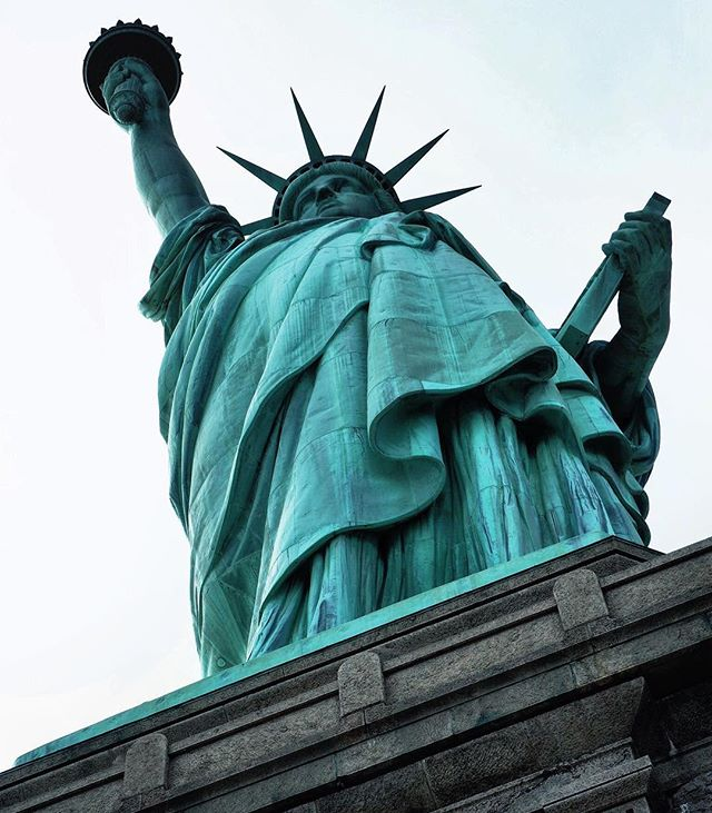 In May I stood with my eyes gazing upward as numerous languages swirled in the air around me. #beautifulstatue . . . . . #Charlottesville #lovetrumpshate #loveislove #equality #statueofliberty #nyc #inspirationaldestinations #girlswhotravel #darlingescapes #travelgram #lovetotravel #traveldiary #viewfromthetop #simplyadventure #ff