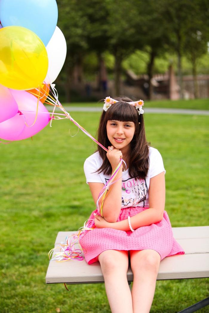 picnic table balloons