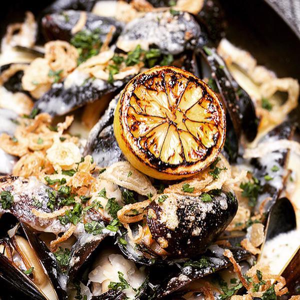 flex mussels .jpg