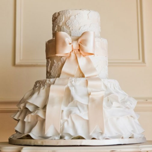 Romantic Wedding Cake.  Image via: