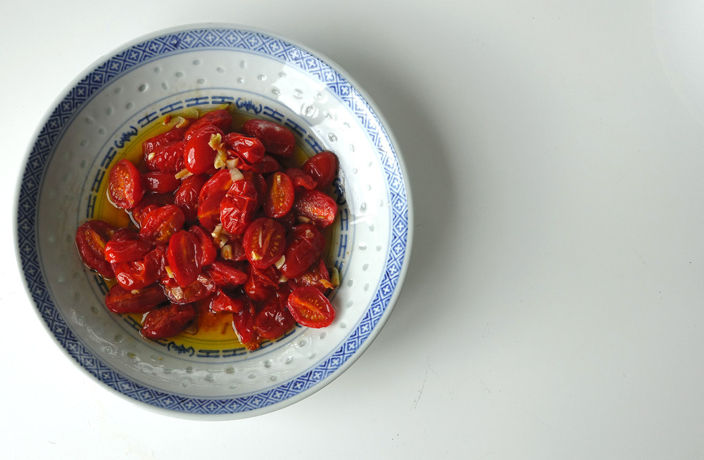 tomatoes and garlic with oil