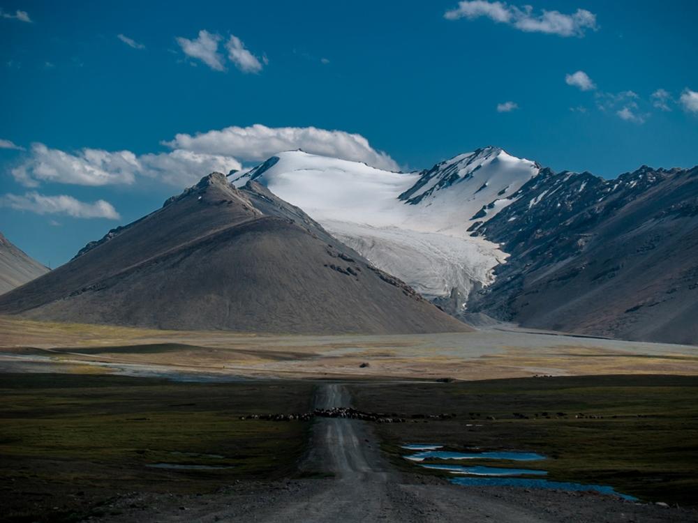 arabel-rekhemyae-mountains-kyrgyzstan-sheisnomad