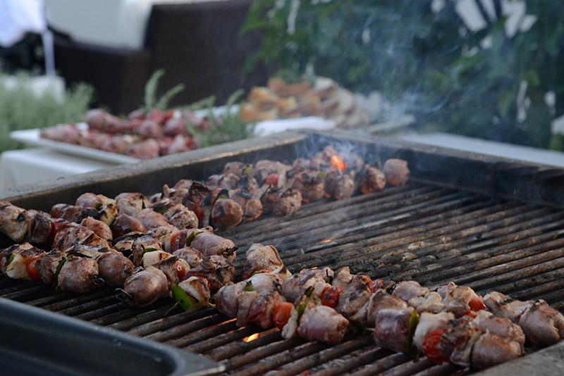 3-bbq-wedding-matrimonio-barbecue-roma-in-villa-ricevimenti-eventi.jpg