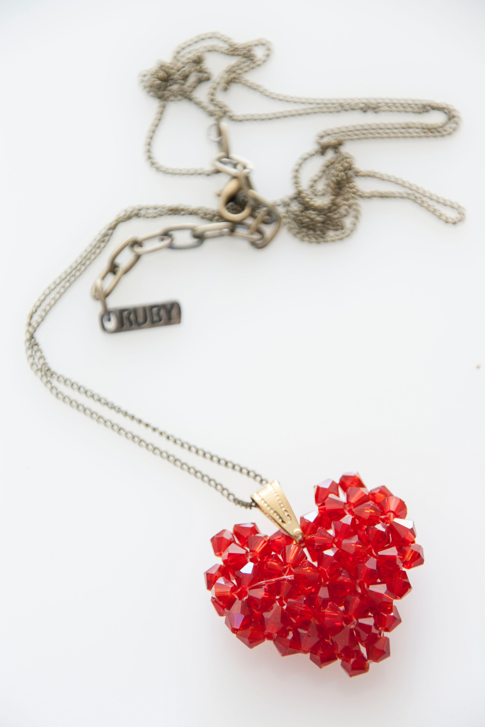Juicy red Woven Heart (3226R).jpg