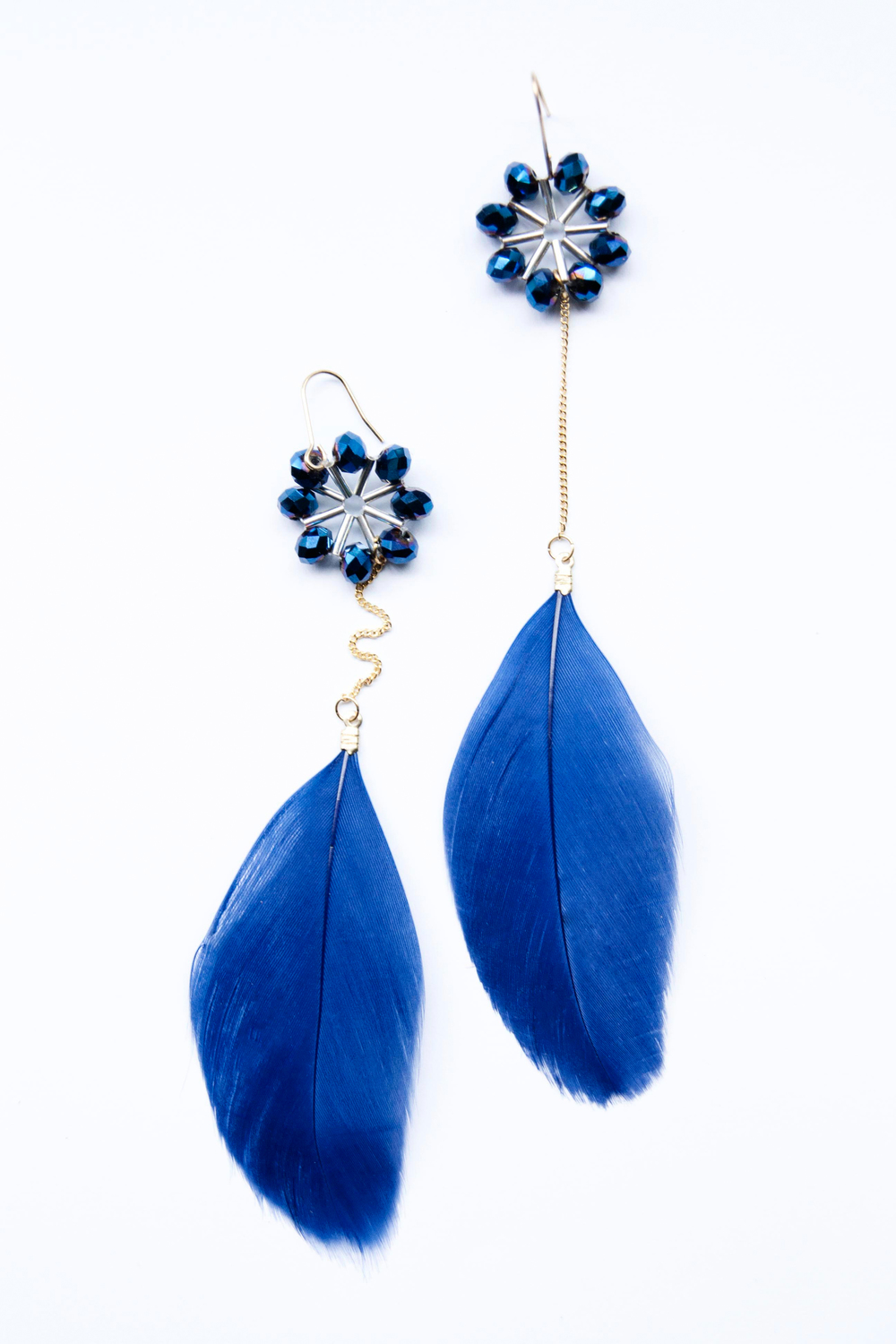Cobalt Feather hand beaded earring (9105).jpg