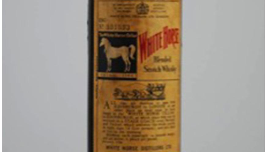 White Horse   White Horse   è uno dei marchi storici dell'industria del blending di proprietà della Lagavulin Distillery da cui si prendeva il Single Malt per la sua composizione. Questa etichetta è uno dei blended più ricercati del passato in quanto si ritiene che sia di una qualità veramente eccelsa.