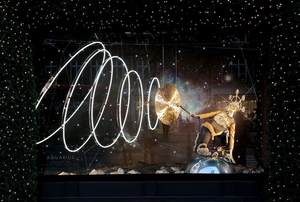 Selfridges Christmas Windows 2015_Journey to the Stars_Zodiac Aquarius.jpg