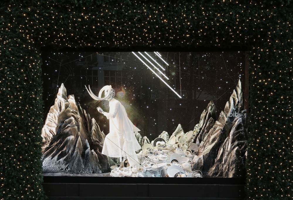 Selfridges Christmas Windows 2015_Journey to the Stars_Zodiac Taurus.jpg