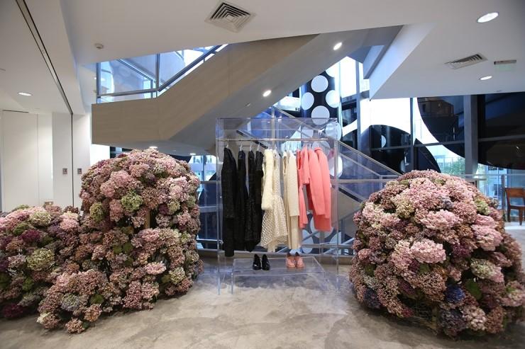 이번 달 I.T그룹의 베이징 매장에 시몬 로샤만의 공간이 팝업으로 등장했다. 사진제공/ I.T 그룹