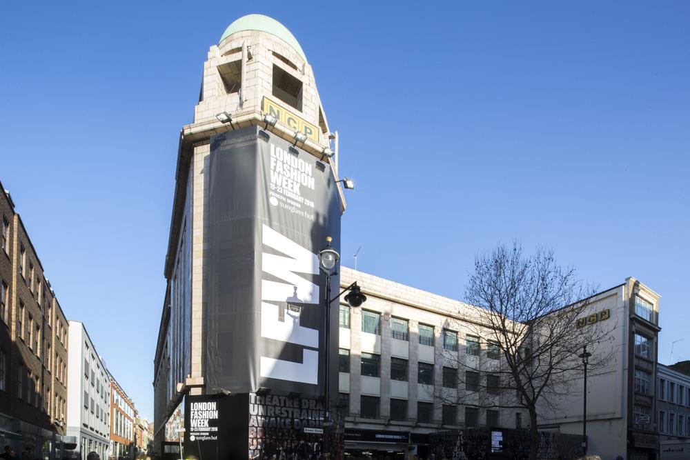 소호 한복판,Brewer Street Car Park의 LFW 본부. 대부분의 캣워크 쇼는 여기에서 진행된다.©BFC 제공
