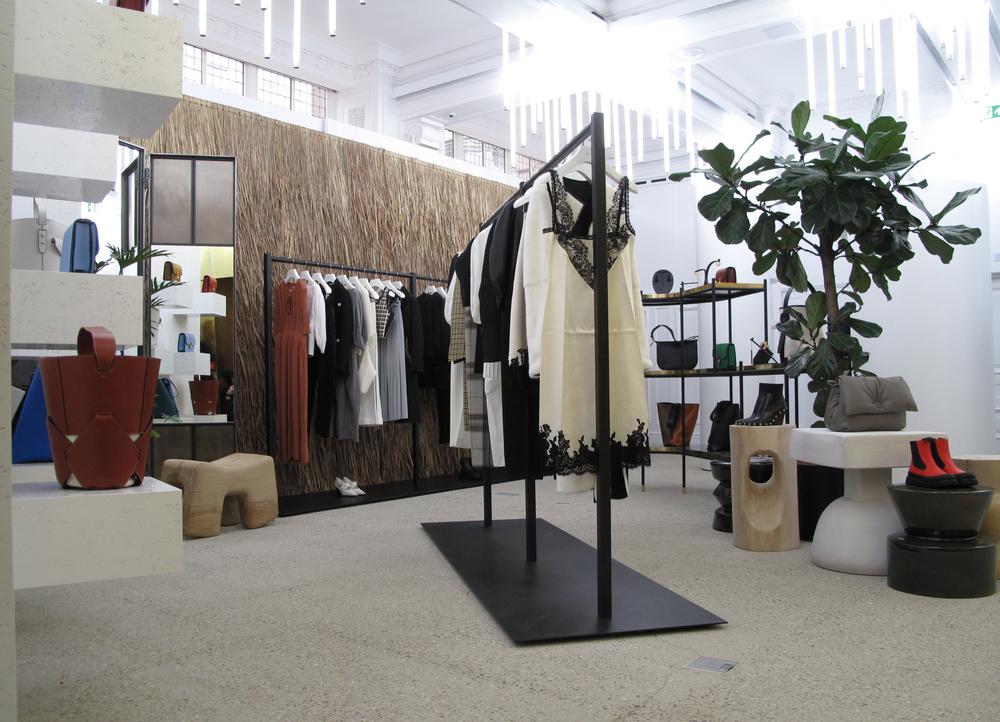 2층에 마련된 셀린(Celine)의 공간. 한국 디자이너 J.JS.LEE 역시 같은 공간에 진열되어 있다.©DSM 제공
