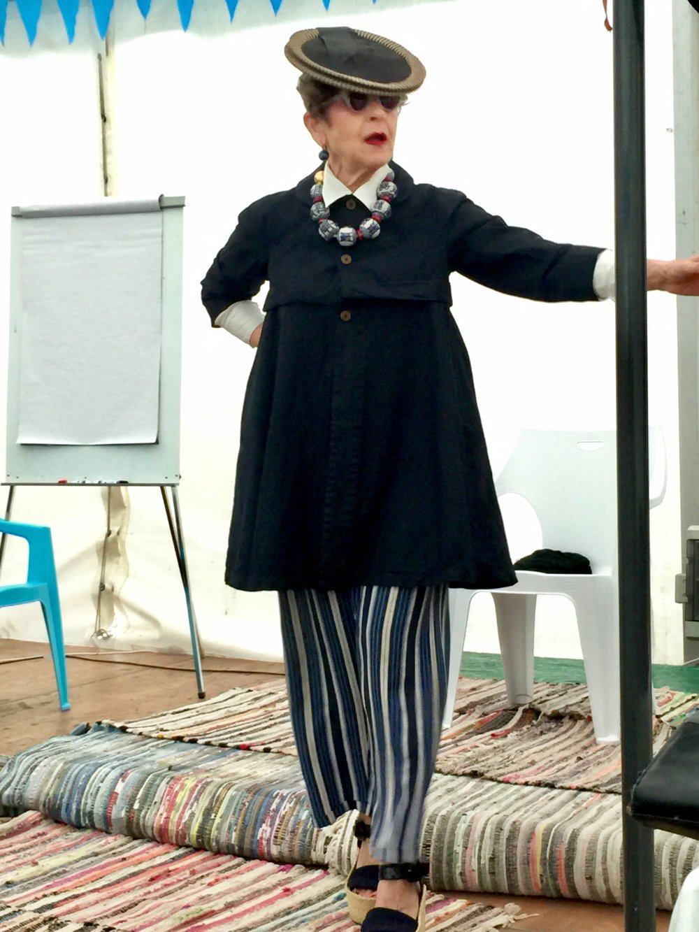 Tziporah Salamon running a style workshop