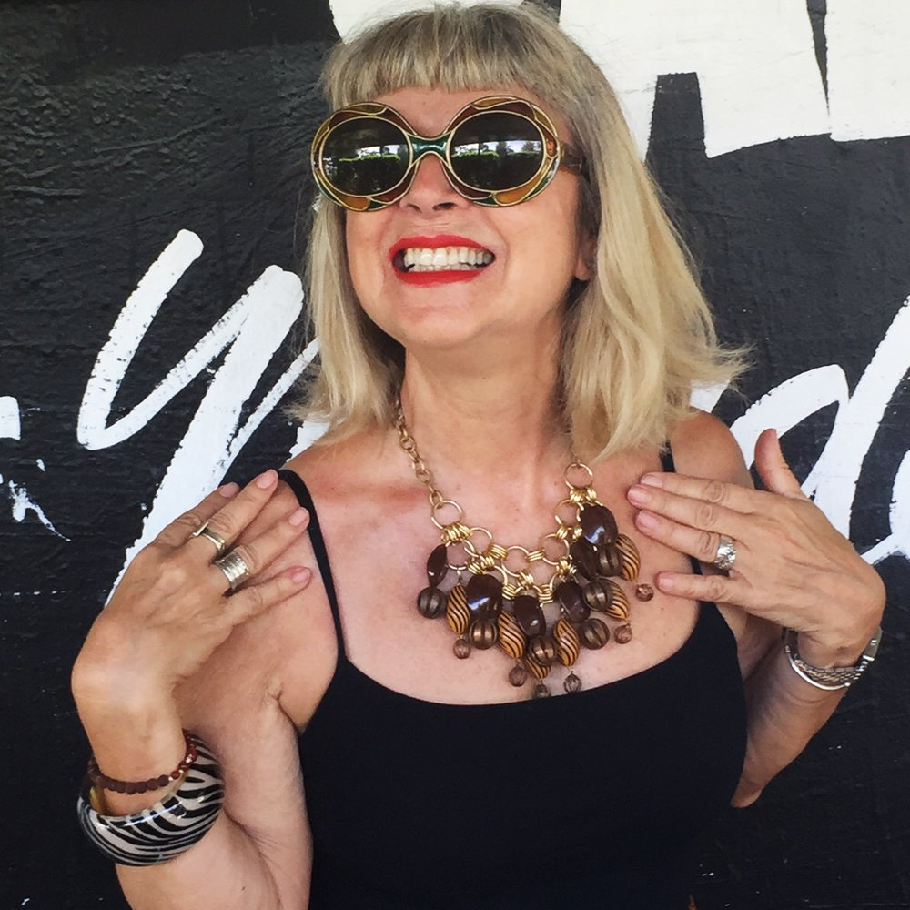 Vintage sunglasses, vintage bangle and now a vintage necklace to complete my brown theme!