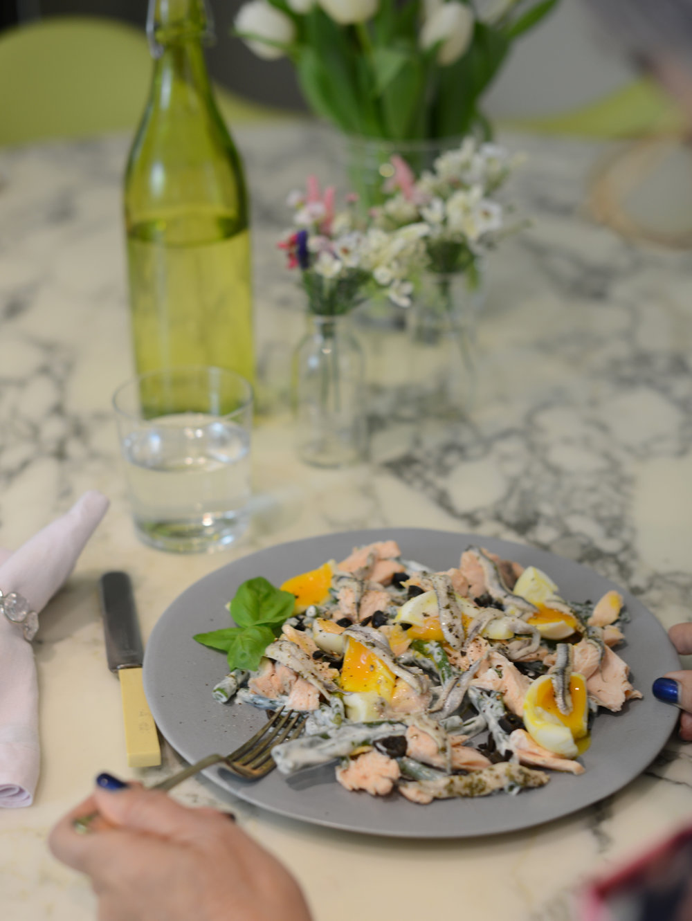Photography by  Notes from a Stylis t, of a sort of salmon nicoise we made together with health boosting omega 3-rich oily fish.