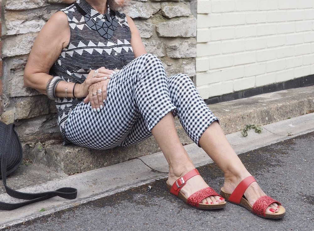 Monochrome with Moshulu sparkly sandals